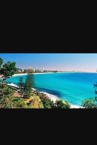 Gold Coast Dream Beach Shack - Burleigh Heads