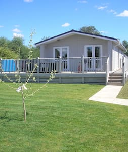 2 Bedroom Deluxe Lodge at Lazy Otter - Ely