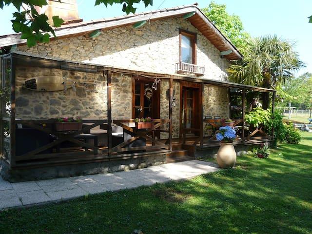 Maison landaise du 18 ème restaurée avec amour