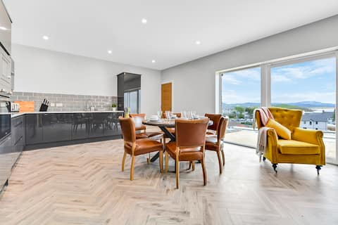 Bayview Downings - Luxury 3 Bedroom First Floor Apartment