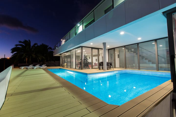 Villa Camacho - Luxury and Charm