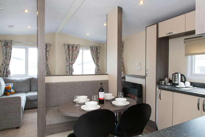 Modern Premier Holiday Caravan - Sleeps 4