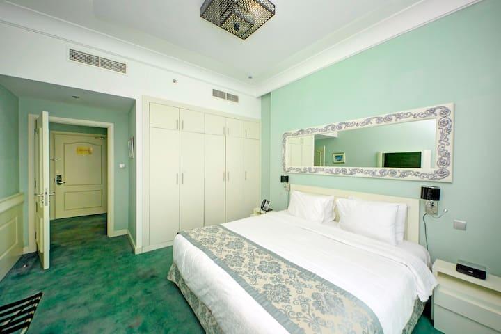 RoyalKeys - 4 Star Hotel Quality Full 1 Bedroom