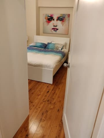 Spacious room with double bed for 1 or 2 person