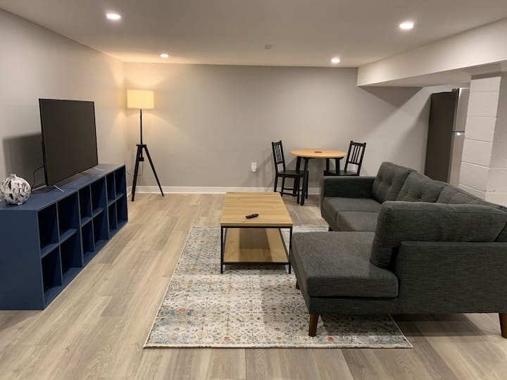 Perfect Downtown Burlington Apartment-Brand New!