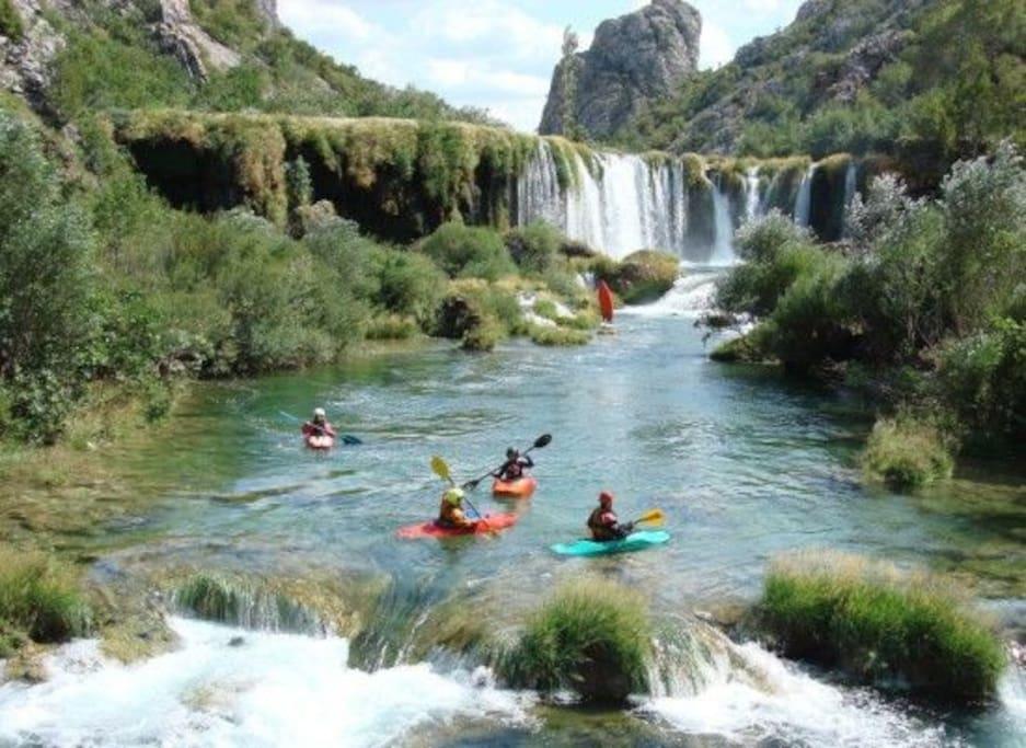 Visoki buk na rijeci Zrmanji