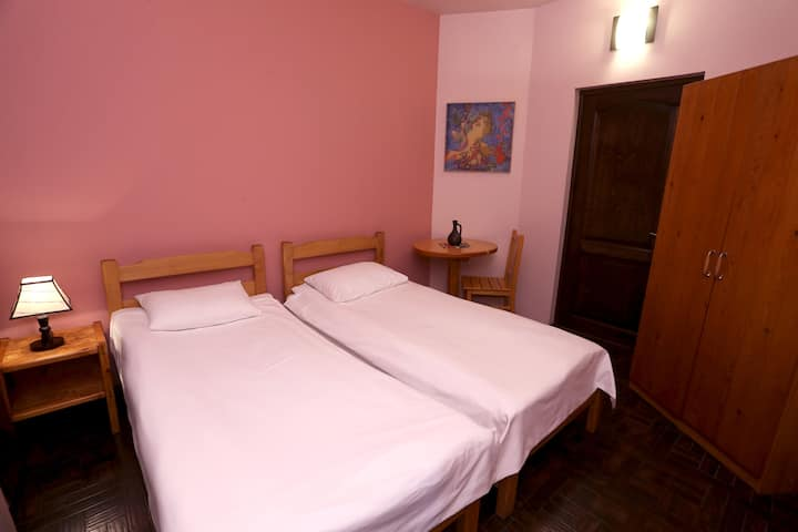 Cherry Room (Daravand Guest House)