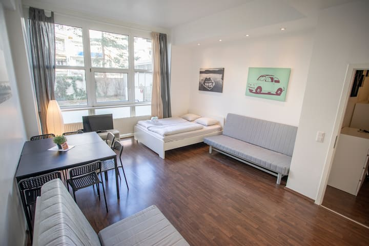 New Bright Innsbruck City Apartment, 6 persons