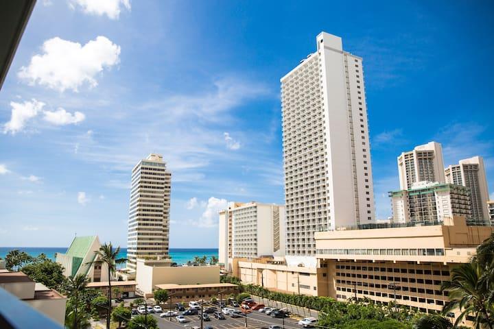 Steps From Waikiki Beach w/Free Parking and Wi-Fi