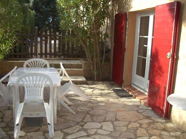 T2 près d'Aix-en-Provence avec piscine - Châteauneuf-le-Rouge - Apartemen