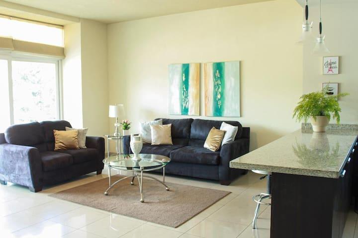 Apartamento amplio, cómodo y tranquilo.