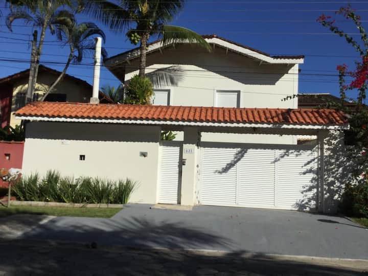Maravilhosa casa em Juquei!!! 500 mts da praia!!!