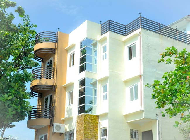 Beautiful Apartments on the Beach - San Fernando, Ilocos Region, PH - Byt