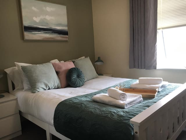 Boutique Room by StayBC ✔DEEP CLEANED ✔FREE WI-FI✔ENSUITE ✔CENTRAL