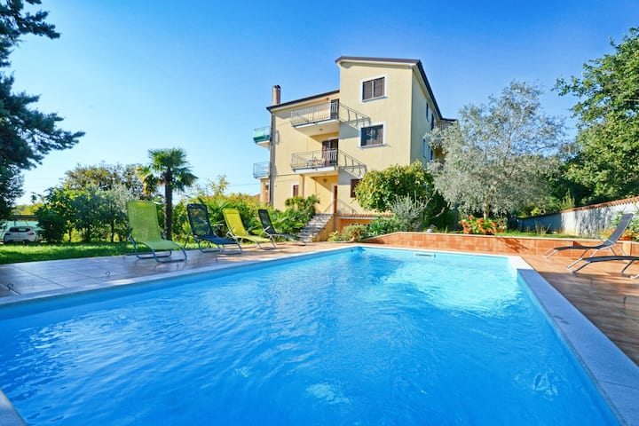 Apartment for couples Umag Valica, swimming pool
