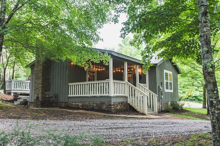 Natchez Trace Cabin