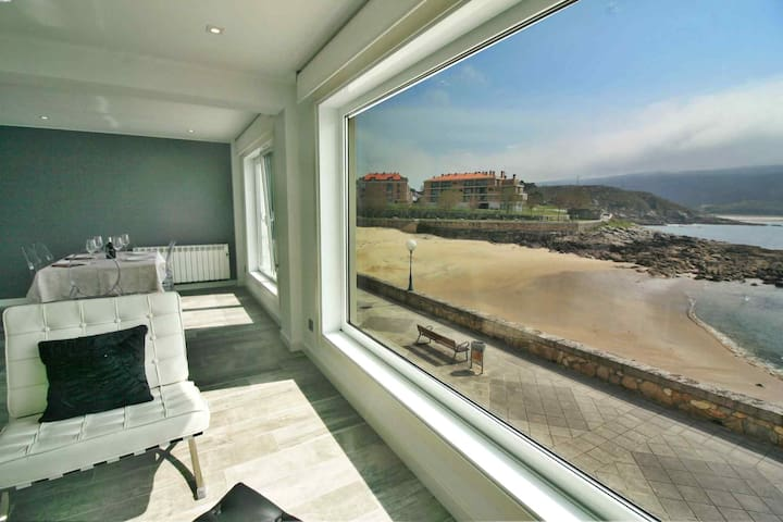 Ref. 12037 Modern flat with breathtaking views.