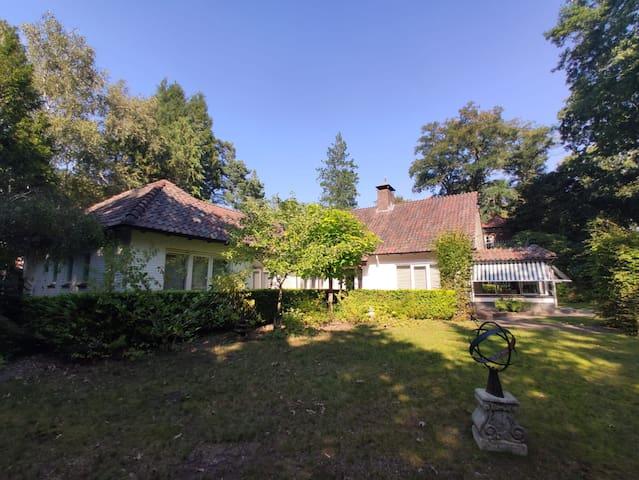 Luxe kamers in Baarnse villa - nabij Amsterdam