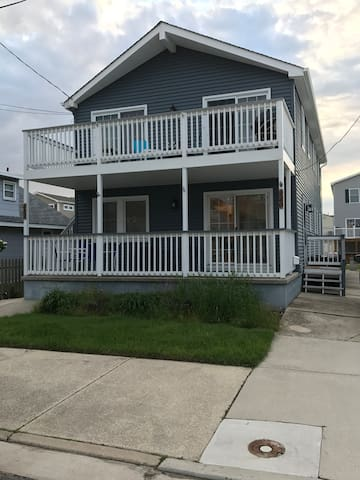 Newly Renovated, Clean, 3 BR, 2 Bath Home for Rent
