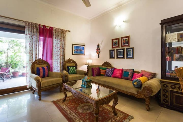 GREEN MEADOW-(BnB)NEW DELHI-INDIA - Nova Delhi - Bed & Breakfast