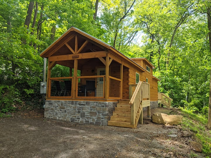 Papa Cabin - Tiny Log home comfort in rustic bliss