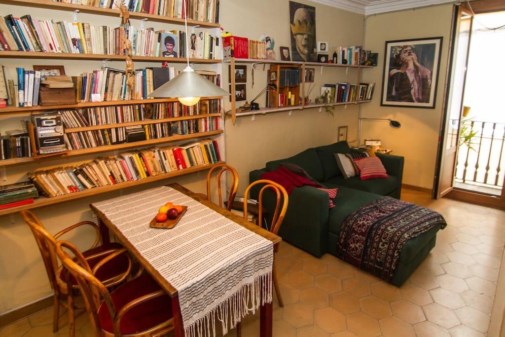 Stanza luminosa al born appartamenti in affitto a for Stanza in affitto barcellona