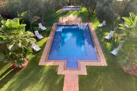 villa with swimming pool not overlooked