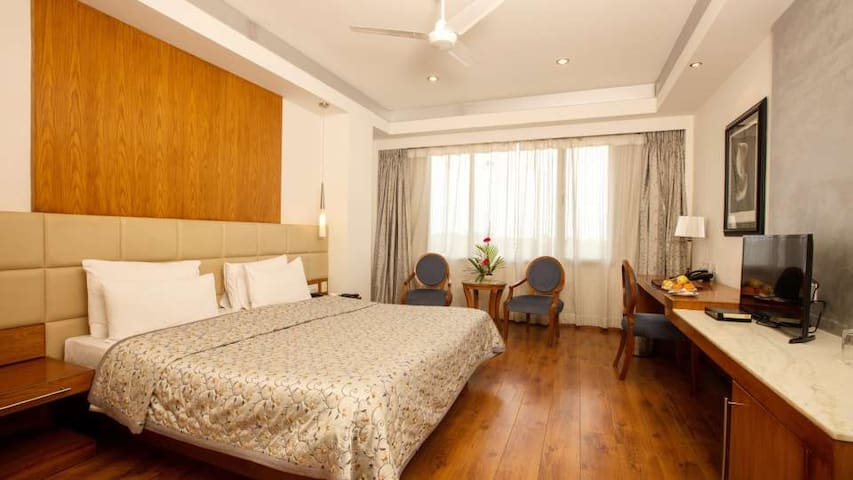 Prestige rooms in outstanding location in Mysore