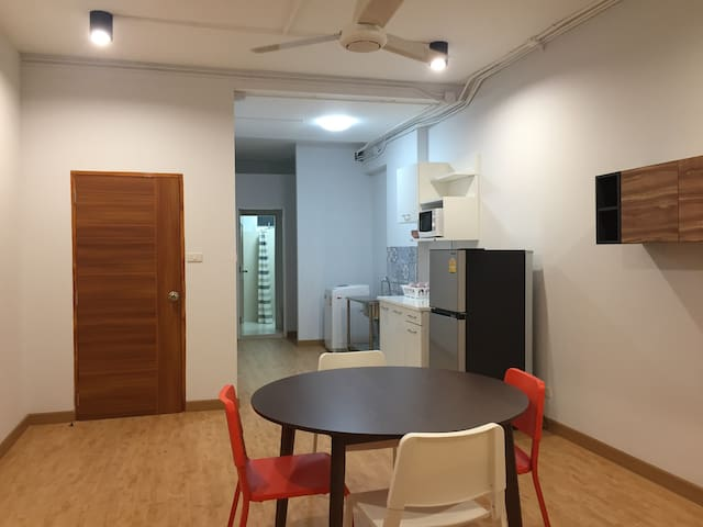 Big Space entire floor 2BR in Old town Bangkok