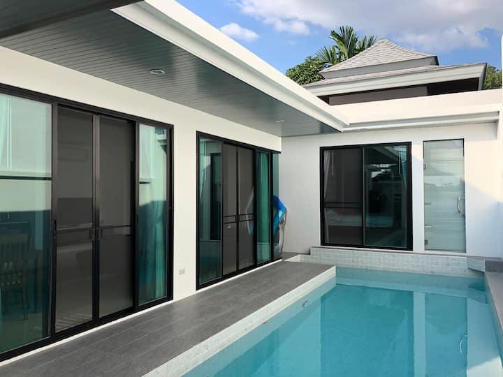 2 bedrooms pool villa in Rawai