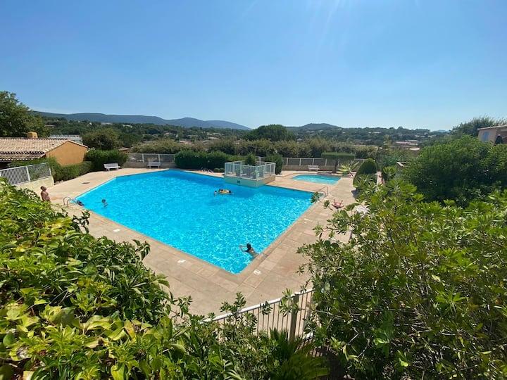 Mazet 2 chambres - piscine - 10km de St-Tropez