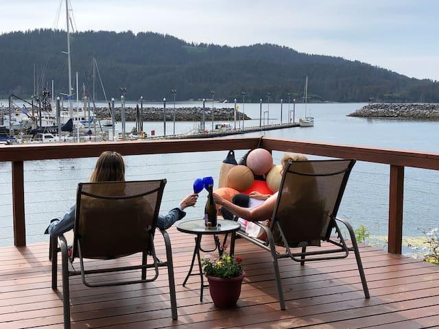 Asta Waterfront Suite