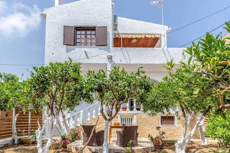 Charming  BEACHFRONT Agia Pelagia Green House Apartment & Lush Gardens Will Wow You!