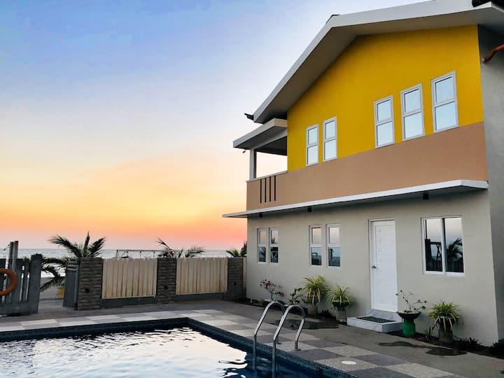 Villa 4 (18 pax) LaSerrano Beachfront