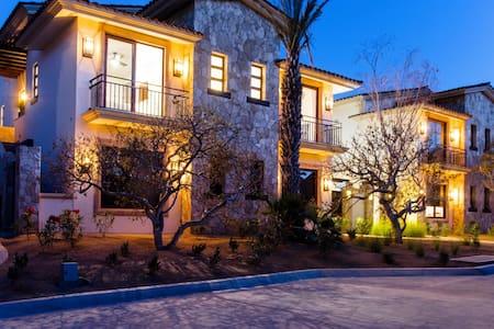 Palmilla Penthouse - Luxury Coastal Contemporary