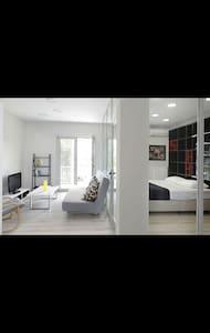 Elegant Studio Apartment,6min from City Center - Apartment