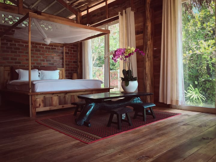 The Waterfall House at Bamboo Cottages