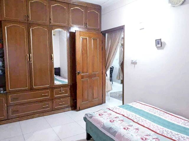 For Short triper,best single comfy stay at Banani