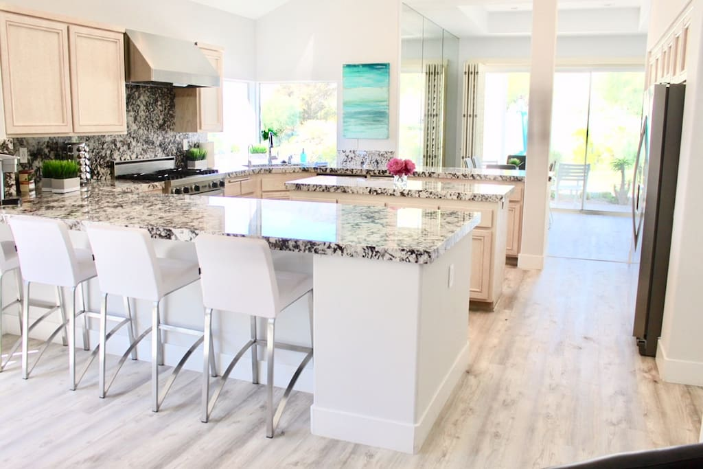 Extra large kitchen - perfect for large groups!