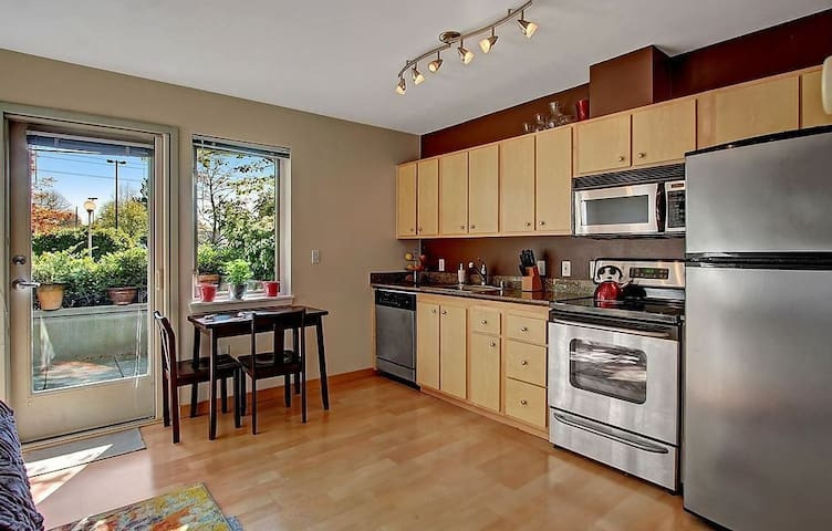 Modern Condo 5 minutes to Downtown - Seattle - Kondominium