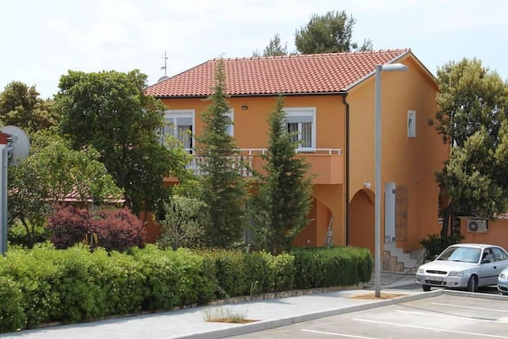 One bedroom apartment with balcony Petrčane, Zadar (A-3300-b) - Petrčane - Appartement