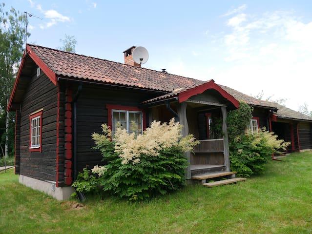 Mysigt hus i Siljansnäs – nära Siljan