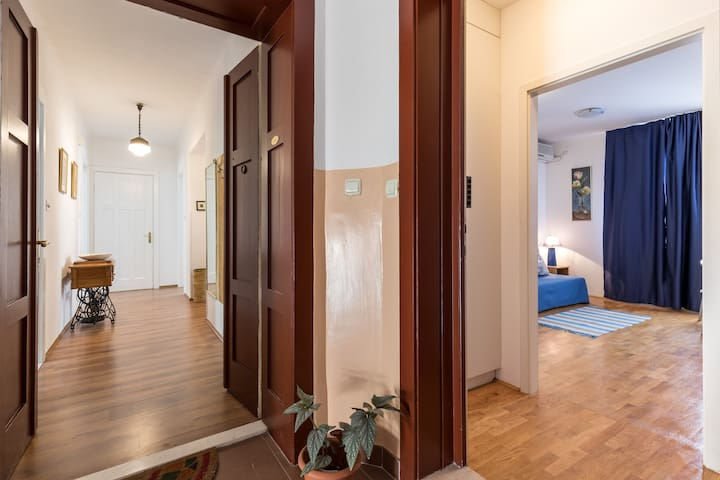Welcome to our lovely apartments, which are the only flats in this floor so you have all the privacy you need for unforgetable vacation.