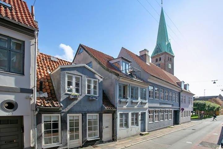 Det lille blå hus. Anno 1718