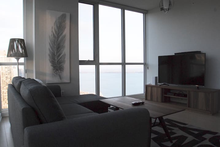 Living Room with Lake View!