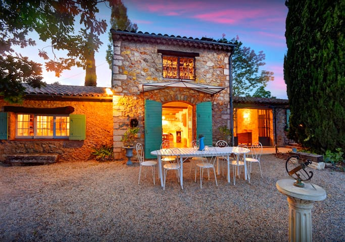OVO NETWORK - Lovely villa Provence, accommodation sleeps 8, swimming pool - Cotignac - Villa