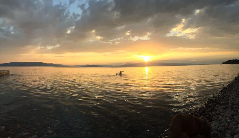 Lakefront Family Living - Bigfork - Leilighet