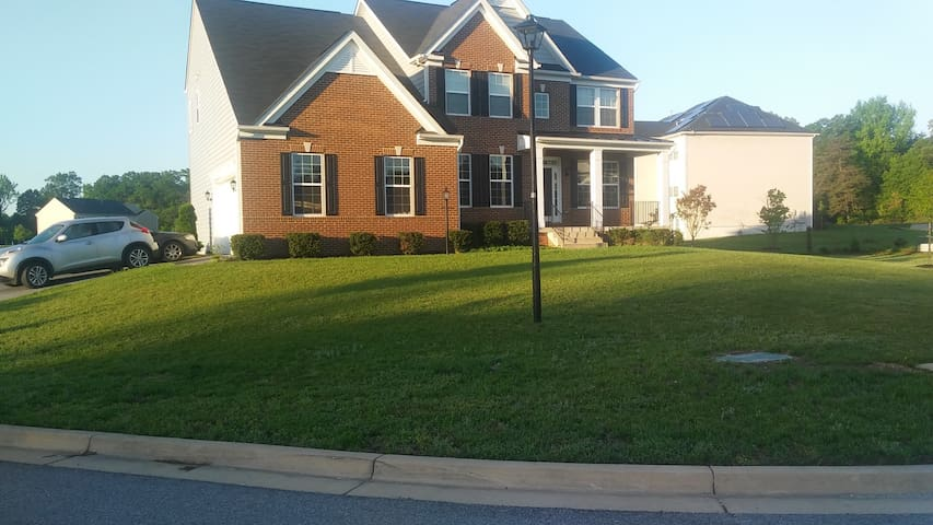 BEAUTIFUL HOME-20 MIN FROM MGM-FREE SHUTTLE RIDE - Brandywine - House
