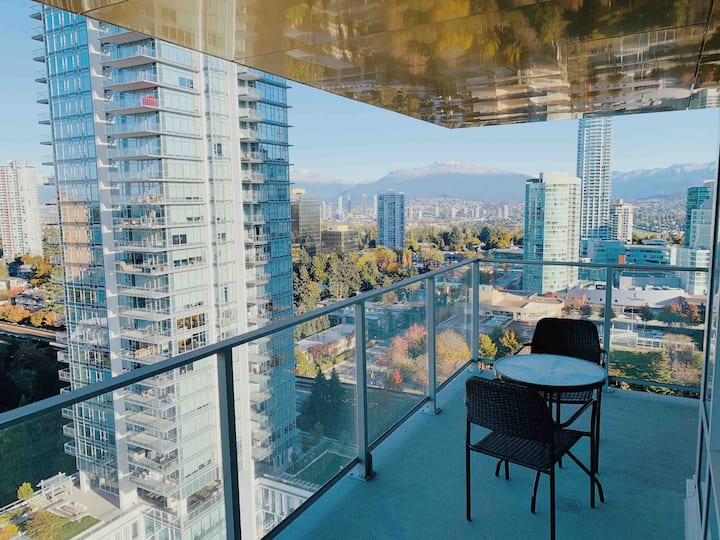 Gorgeous Hotel like Brand New condo at Metrotown