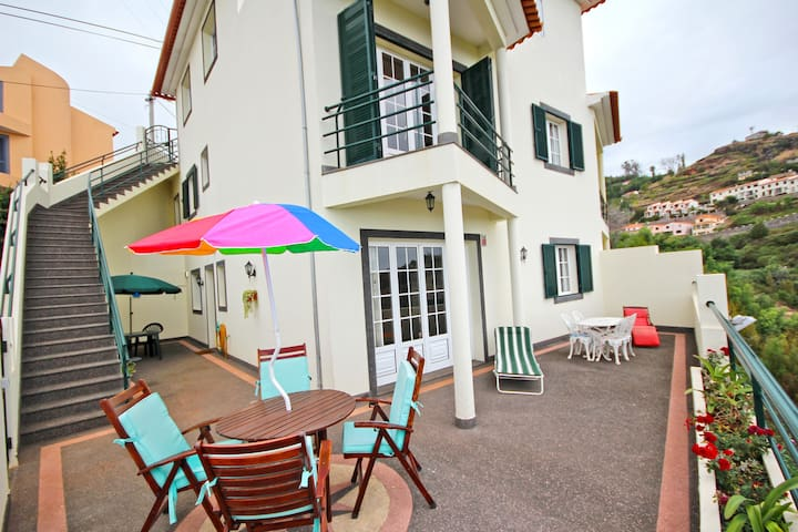 Casa dos Sonhos, 4 bedroom house with sea views